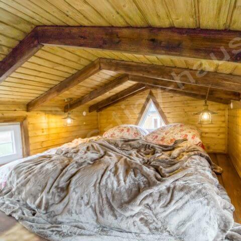 Schlafbereich Holzhaus Schweden