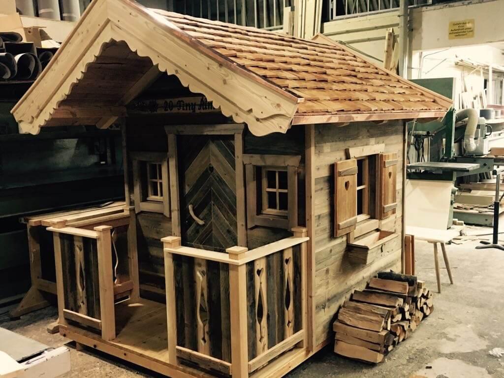 tiny house f r kinder mobiles tiny house mobiles tiny haus. Black Bedroom Furniture Sets. Home Design Ideas