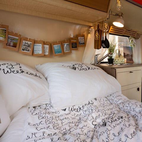 Wohnwagen Eriba, der Essbereich wird zum Schlafbereich