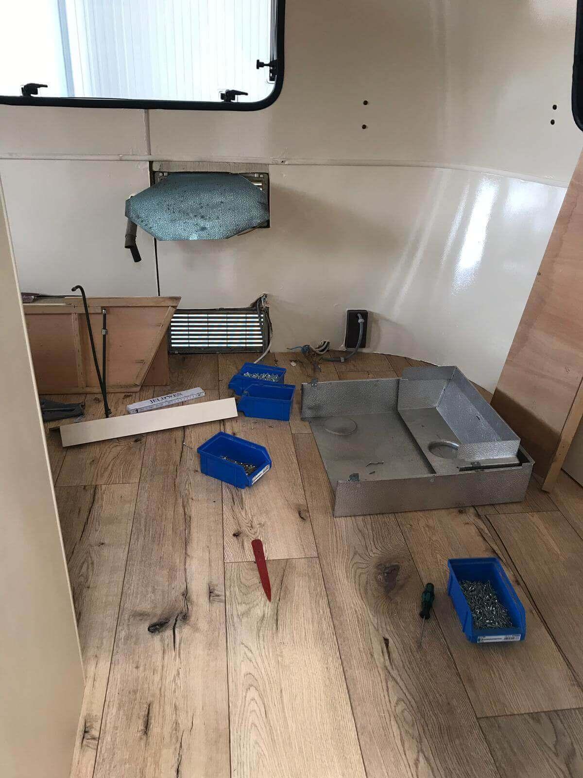 Umbau Von Historischen Wohnwagen Mobiles Tiny House