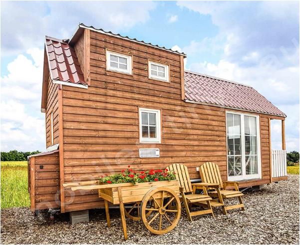 Tiny House von außen betrachtet im village